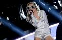 Un chanteur jamaïcain réclame 300millions de dollars à Miley Cyrus pour plagiat