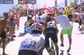 Un spectateur s'en prend physiquement à Froome dans la montée de l'Alpe d'Huez