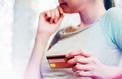 60 millions de consommateurs dénonce des frais bancaires illégaux