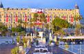 Le Carlton de Cannes transformé en panneau publicitaire: une association porte plainte