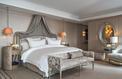 Des lits d'initiés : en vidéo, une nuit au féerique hôtel de Crillon