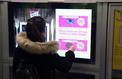 Des écrans dans le métro parisien pour effectuer des micro-dons