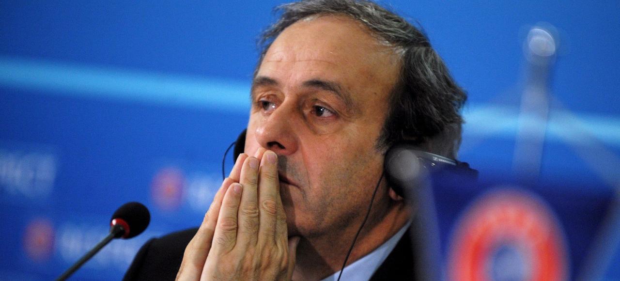 Michel Platini (ici en 2013, à Sofia) paye au prix fort ses relations amour-haine avec Sepp Blatter, son ancien mentor.