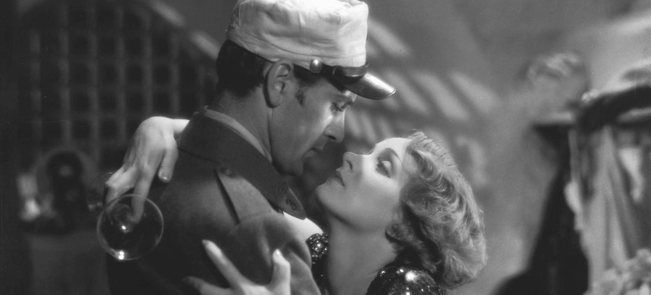 Morocco, de Josef von Sternberg avec Gary Cooper et Marlène Dietrich (1930).