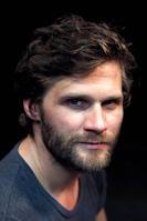 Alexis Michalik, était nommé sept fois aux Molières pour sa pièce <i>Edmond</i>.