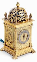Horloge à poids à sonnerie au passage et à réveil, France, fin du XVIe siècle, estimation 15000-20000€.