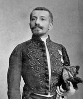 Pierre Loti en tenue d'académicien (1892).