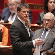Départementales: le crash de l'A320 bouscule la campagne de Valls
