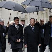 Hollande et Valls dos au mur