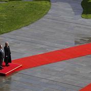 Tsipras courtise Poutine, Merkel garde son calme