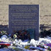 Crash de l'A320 : le pilote allemand, héros sur les réseaux sociaux