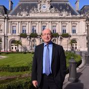 La gauche, «bouleversée», rend hommage à Jean Germain