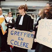 Loi Macron: les salariés des tribunaux de commerce manifestent