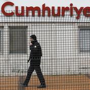 Deux journalistes turcs risquent la prison pour avoir reproduit Charlie Hebdo
