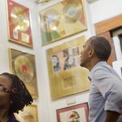 Barack Obama visite le musée de son idole Bob Marley