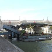 Polémique autour de l'ouverture d'un bar sous le plus vieux pont de Paris