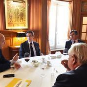 Nicolas Sarkozy invite les anciens premiers ministres à travailler sur les institutions