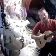 Chris Hadfield va sortir un album enregistré dans l'espace