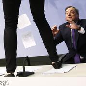 Une Femen s'en prend à Draghi : la BCE est-elle vraiment une dictature?