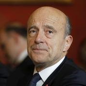 Primaire: Alain Juppé se prépare à un combat loyal