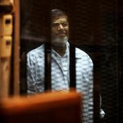 En Égypte, Morsi échappe à la peine de mort
