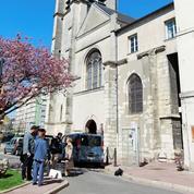 Attentat déjoué : stupeur et émotion devant l'église Saint-Cyr-Sainte-Julitte