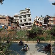 Après le séisme, la difficile solidarité entre Népalais