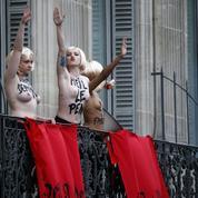 Le discours de Marine Le Pen perturbé par des Femen