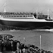 Le paquebot France est baptisé par Mme de Gaulle le 11 mai 1960