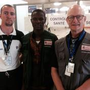 Un étudiant infirmier menacé de renvoi pour être parti combattre Ebola
