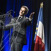 Les Républicains : Nicolas Sarkozy accuse François Hollande d'être à la manœuvre