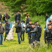 Migrants : le ministère de l'Intérieur multiplie les évacuations