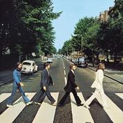 Les Beatles traversent Abbey Road comme les Monty Python