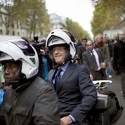 François Hollande ne veut plus mettre de casque