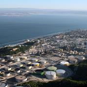 En grève, la raffinerie Total de La Mède mise à l'arrêt