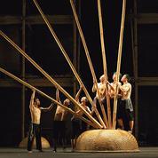 Le cirque vietnamien se mondialise par le bambou