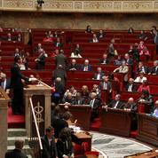Loi Macron: Manuel Valls bouscule sa majorité