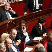 Loi Macron: la droite adresse un carton rouge au gouvernement
