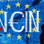 Grèce : l'ombre du référendum avorté de 2011 plane sur celui de Tspiras