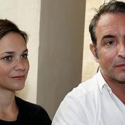 Jean Dujardin et Nathalie Péchalat inaugurent un cinéma