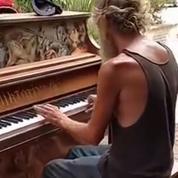 Un pianiste SDF américain enthousiasme la Toile