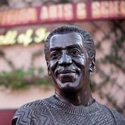 Disney déboulonne la statue de Bill Cosby