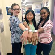 Un bracelet connecté pour apprendre aux petites filles à coder