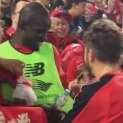 Sakho se fait passer pour un fan pour obtenir un autographe d'un coéquipier
