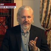 Julian Assange interviendra lors des journées d'été d'EELV
