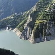 Isère: les habitants de La Grave toujours piégés par la montagne