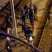 Migrants de Calais: Eurotunnel et l'État se rejettent la faute