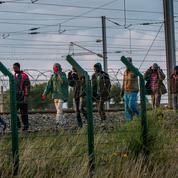 Migrants : ces routes qui mènent à Calais...