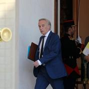 Le casse-tête du remplacement de François Rebsamen