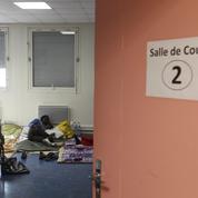 Migrants : le débat s'envenime à Paris